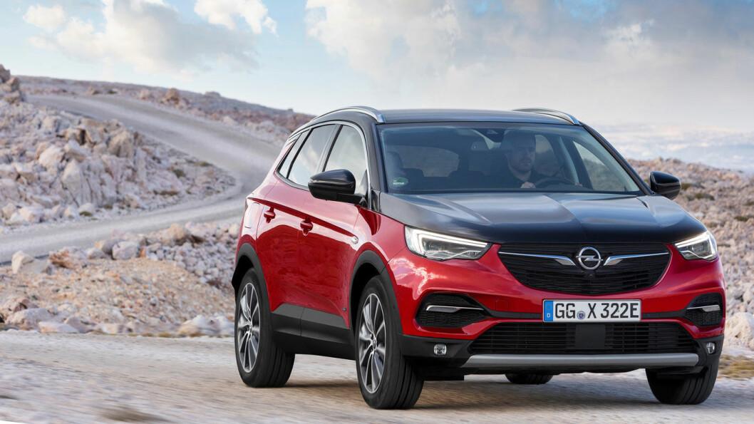 NY VÅR: Opel Grandland har levd et ganske anonymt liv blant kompakt-SUV-ene, men en fullstendig ny og norgesvennlig drivlinje vil gjøre den mer attraktiv. Foto: Opel