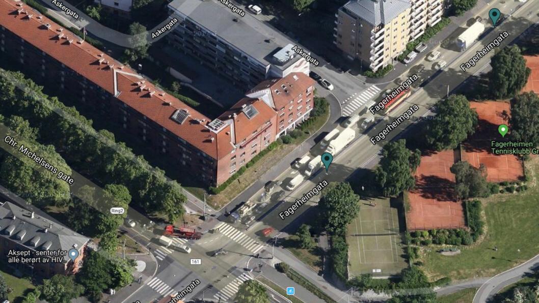 TO BOMMER: De to grønne merkene viser hvor de to bomstasjonene kommer i Fagerheimgata, som munner ut i Chr. Michelsens gate, som er en del av Ring 2. Foto: Skjermdump fra Fjellinjen.no