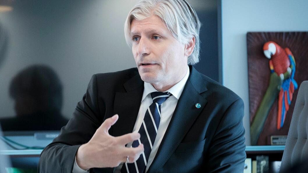 INGEN ENDRINGER: Klima- og miljøminister Ola Elvestuen vil ikke høre snakk om elbilavgifter. Foto: Jon Terje Hellgren Hansen