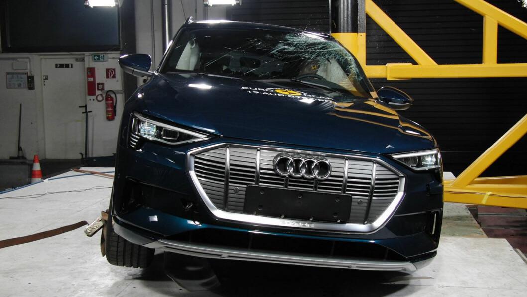 SIKKER EL-SUV: Audi e-tron gjør det meget godt i den nye Euro NCAP-testen, men ikke bedre enn de to øvrige elbilene som er testet etter dagens prosedyrer, Jaguar I-Pace og Nissan Leaf. Foto: EuroNCAP