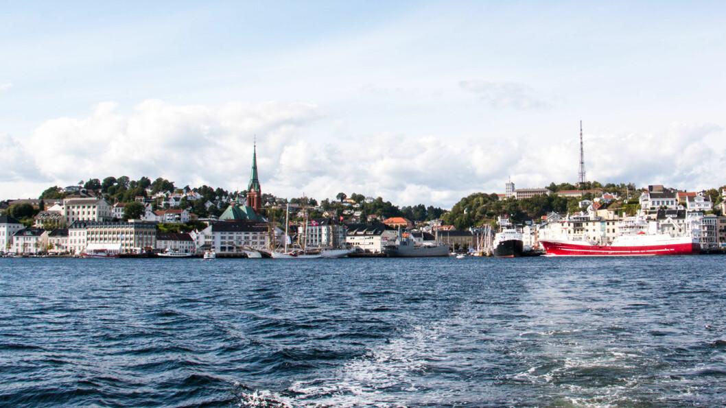 NYE PLANER: Planene om en bompengefinansiert samferdselspakke for Arendal (bildet) og tre andre sørlandskommuner er nå parkert. Foto: Peter Raaum