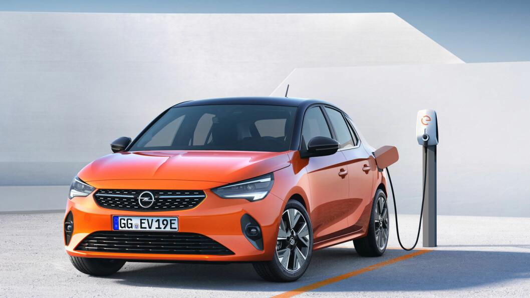 SATSER IGJEN: Opel ble en pionér på elbilmarkedet med Ampera-e, som av ulike grunner ikke lyktes i første runde. Nå kommer Corsa som et nytt og frisk forsøk i småbilklassen. Foto: Opel