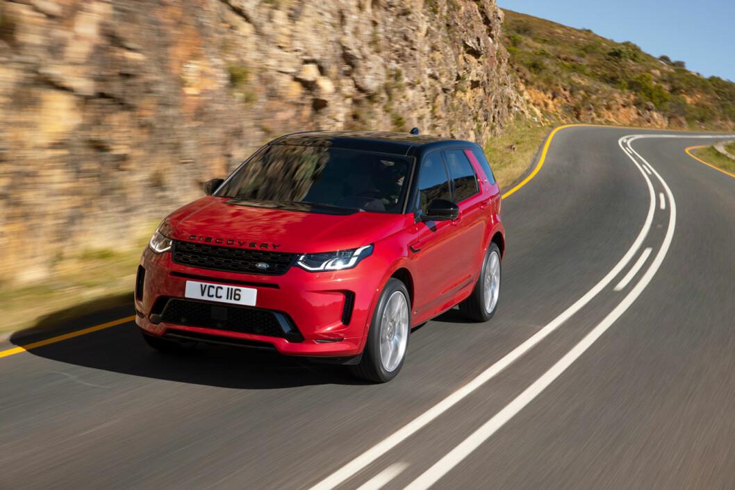 MILD HYBRID: Jaguar Land Rover oppgraderer sin bestselger Discovery Sport med et helt nytt interiør – og en smule elektrifisering.