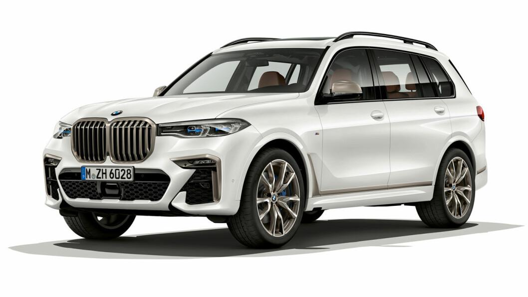 RASK KOLOSS: Store BMW X7 akselererer fra 0-100 på under 5 sekunder, men først må du legge nesten to millioner på bordet.