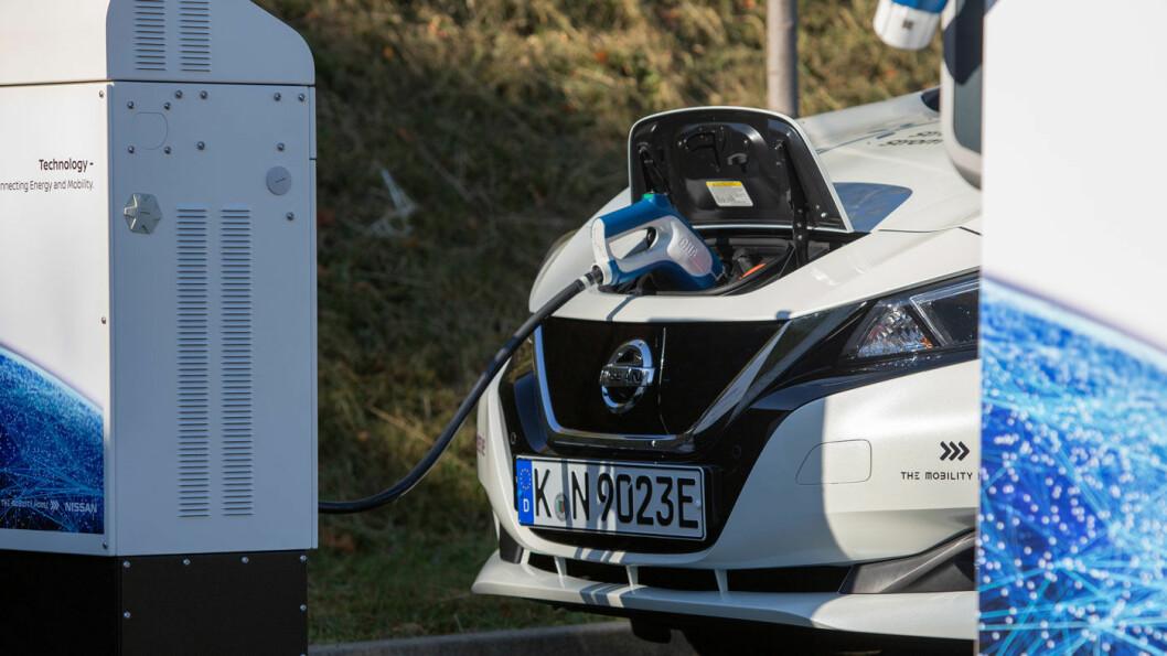 HOLDER LENGER ENN BILEN: Batteriene i en Nissan Leaf har mye lenger levetid enn bilen. Det gir utfordringer rundt etterbruken av batteriene.