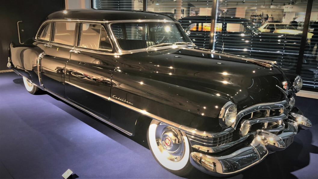 CADILLAC: Denne Cadillacen var også Kong Olav sin. Han kjøpte den i 1951. Men den er beholdt i «kongelig kvalitet». Foto: Geir Røed