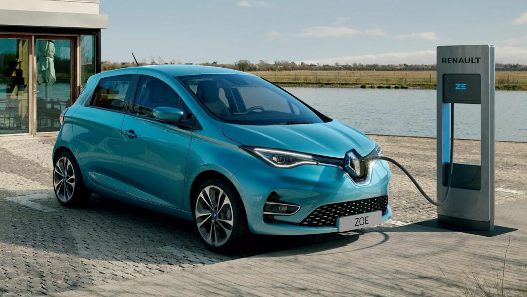 SKINNET BEDRAR: Utvendig ser nye Zoe mer eller mindre prikk lik ut den gamle. Men under skallet har det skjedd endringer. Foto: Renault