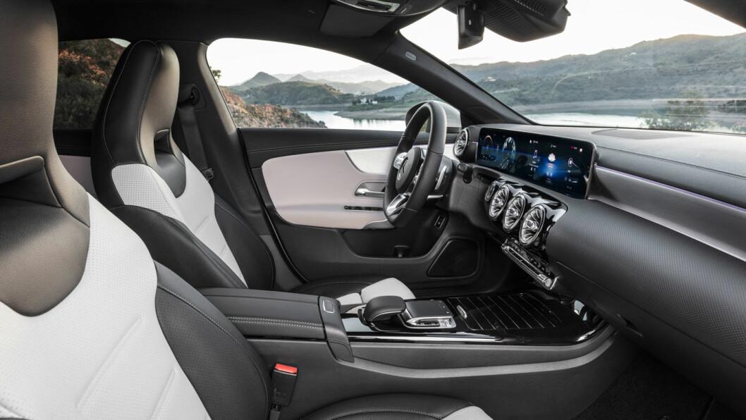 MER PRAKTISK: Stasjonsvognpreget er godt dempet, men både plass og praktiske egenskaper er forbedret.