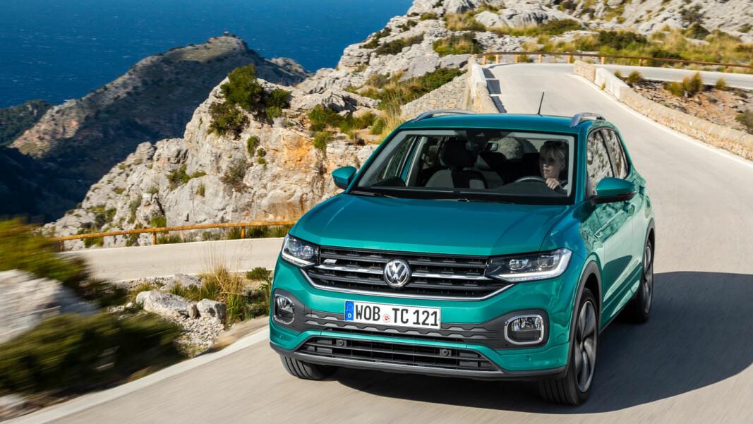 NYKOMMER: I april kommer VW T-Cross til Norge. Den minste SUV'en til VW er praktisk og komfortabel – men den kommer utelukkende som bensinbil.