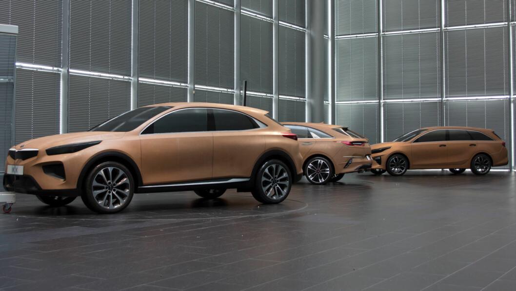 SKISSER: Noen av de tidlige modellene til bilen som nå lanseres som Xceed.