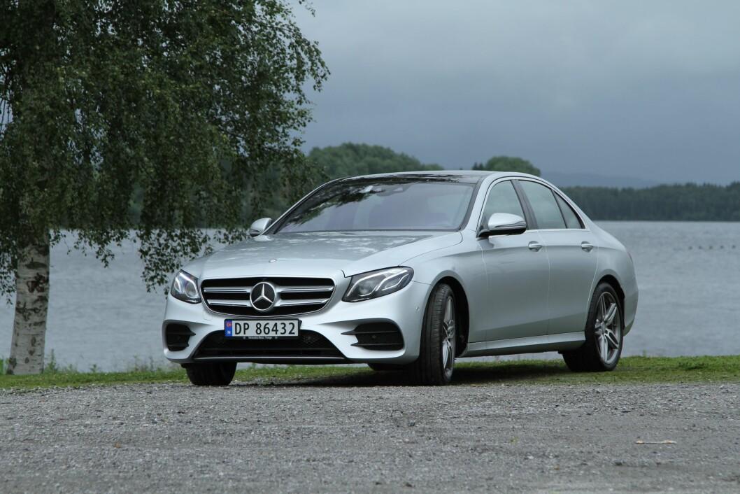 MYE KOMFORT: Det er kjørekomforten i nye Mercedes E-klasse som imponerer oss mest. Foto: Rune Korsvoll