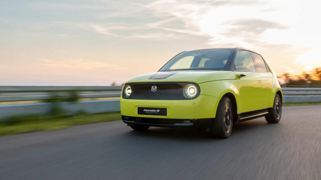 NYTT IKON? Honda e er også en retroinspirert helelektrisk småbil med spennende design.