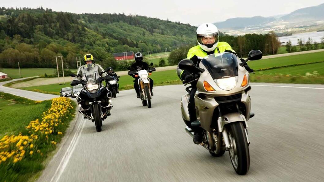 AVGIFTENE GÅR NED: Og salget av motorsykler går opp. Regjeringen har vært positive til flere motorsykler med tanke på mindre forurensning, kortere køer og mindre behov for parkeringsplasser. Foto: Geir Mogen