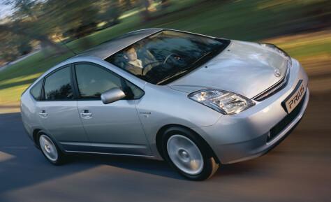 Toyota høster kraftig kritikk for elbilmotstand