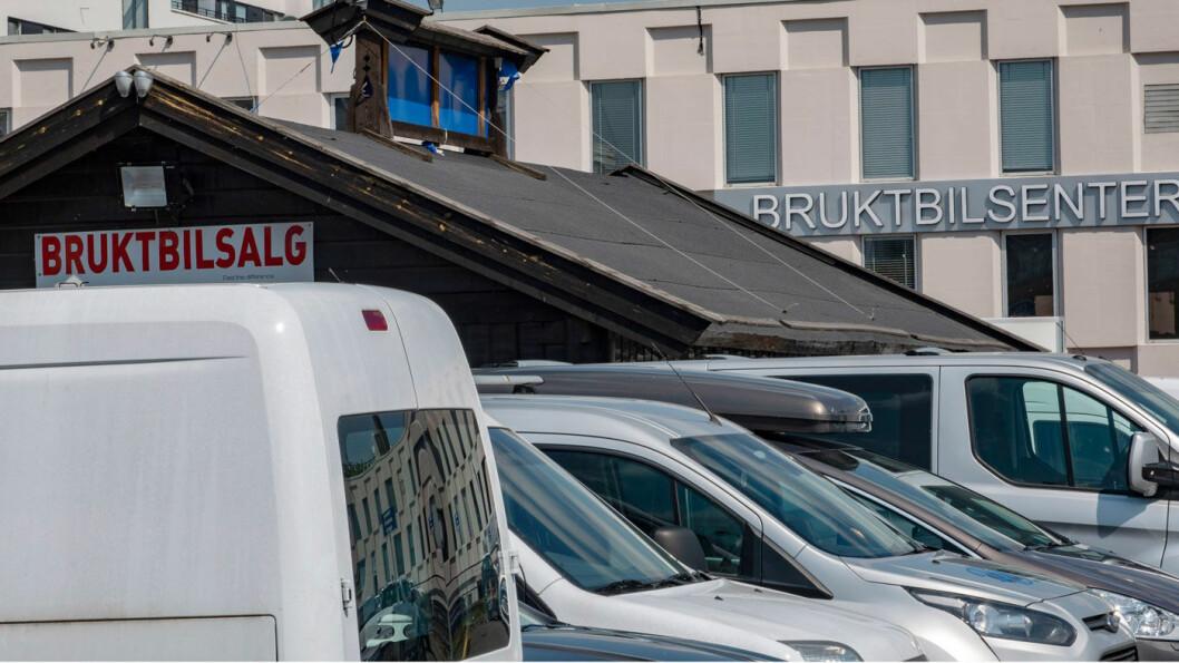 GODE RÅD: Stadig flere brukte elbiler kommer for salg. Det gir muligheter for gode kjøp, men det er viktig ting å passe på. Foto: Geir Olsen