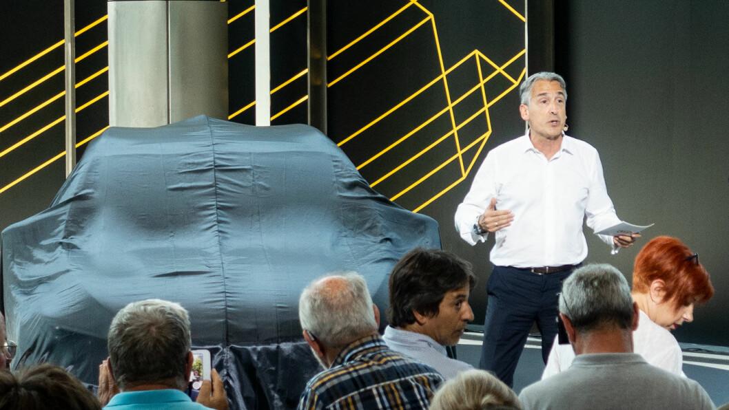 VELGER MARKED: – Ganske enkelt sagt: Det er lettest for oss å selge elbiler i de landene der myndighetene støtter det, sier Kia-sjef Emilio Herrera. Foto: Peter Raaum