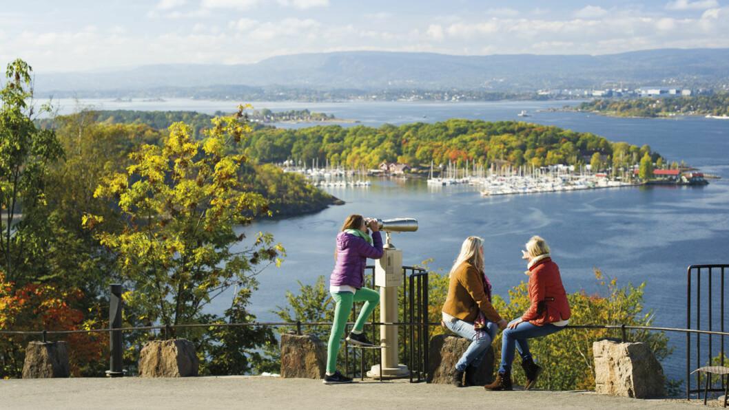 BELLA VISTA: Ekebergplatået byr på flott utsikt mot hele indre Oslofjord, blant annet mot Hovedøya. Foto: CH - visitnorway.com
