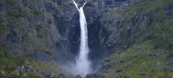 Mardalsfossen er grunn nok til å ta turen
