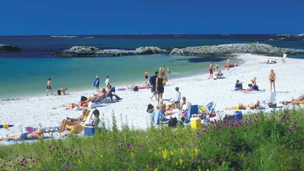 IDYLL: Åkrasanden består av flere små sandstrender. Foto: Willy Haraldsen