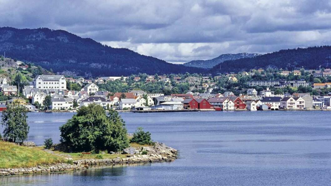 HOLLENDERBYEN: Siste sørlandsby på strekningen mot Rogaland er trivelige Flekkefjord. © Foto: Per Roger Lauritzen