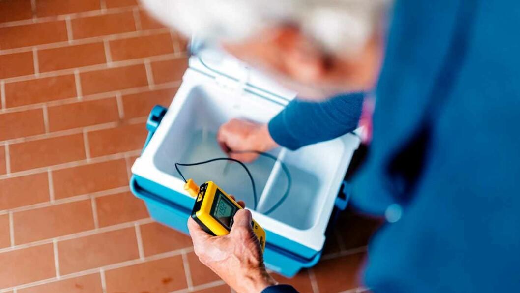 HOLDER PÅ KULDEN: NAF og Testfakta har testet og målt om kjøleboksene holder på temperaturen og klarer å kjøle ned maten. Foto: Testfakta