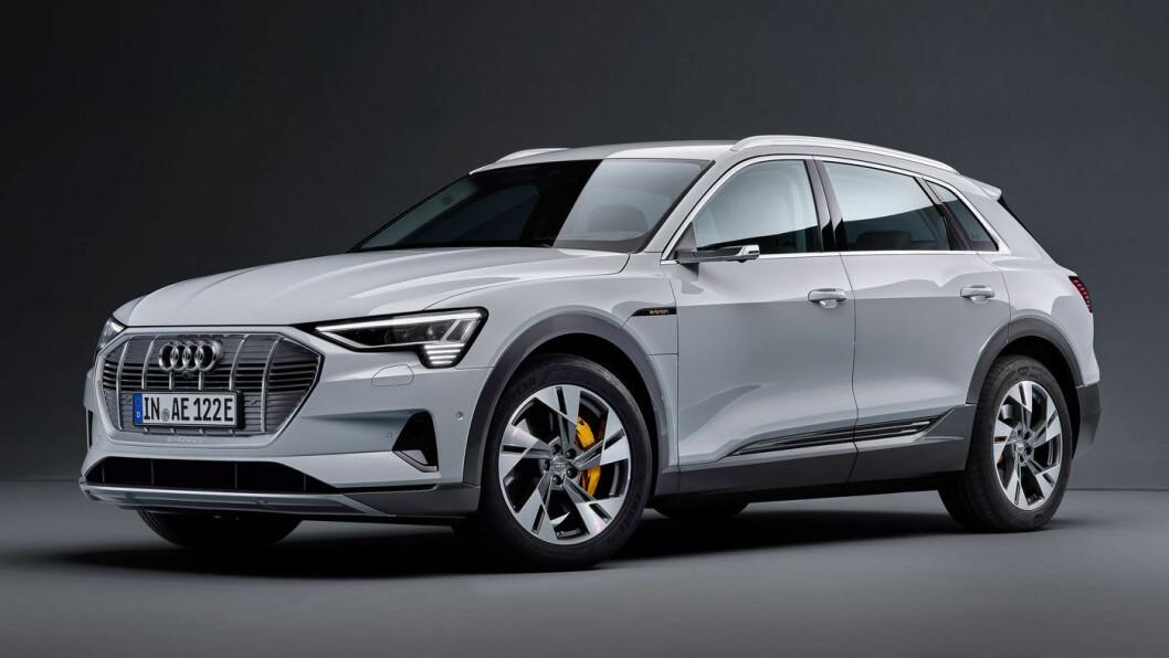 OVERRASKENDE: Nye Audi e-tron med rundt 10 mil dårligere rekkevidde, har fått en startpris på 499.000 kroner. Det er svært gunstig sammenliknet med konkurrentene fra Mercedes, Tesla og Jaguar.