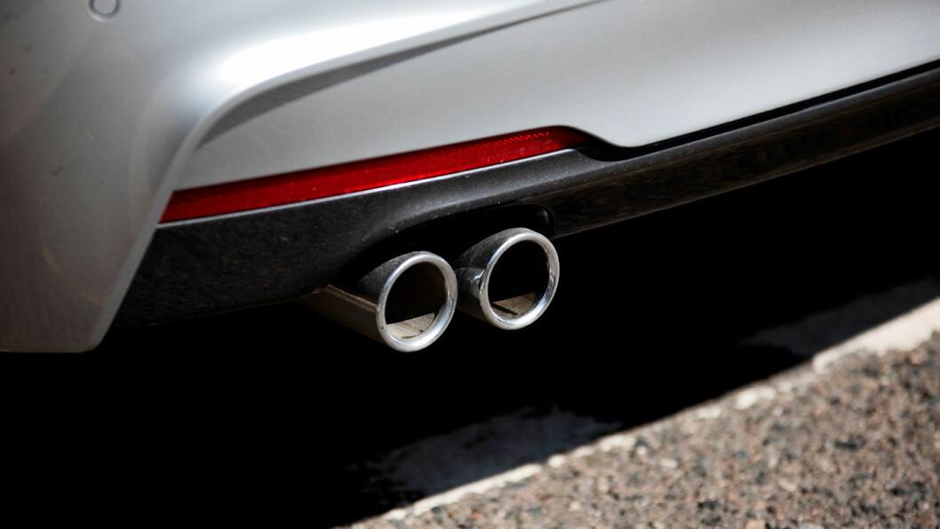 ØKTE UTSLIPPSTALL: Ny målemetode gir økte utslippstall for CO2 fra bilparken, men regjeringen har lovet avgiftsregulering som ikke gjør avgiftene høyere for nybilkjøperne. Foto: Tomm W. Christiansen