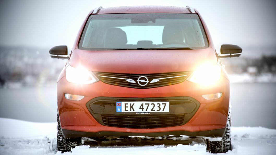 OPPTUR: Opel Ampera-e kan, etter mange frustrerende år, omsider leveres umiddelbart – og til en ganske konkurransedyktig pris. Foto: Tomm W. Christiansen