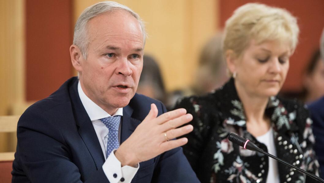 MÅ FORHANDLE: Kunnskaps- og integreringsminister og Høyre-nestleder Jan Tore Sanner slår fast at alle de fire regjeringspartiene må finne en løsning på bompengefloken. Foto: Stortinget