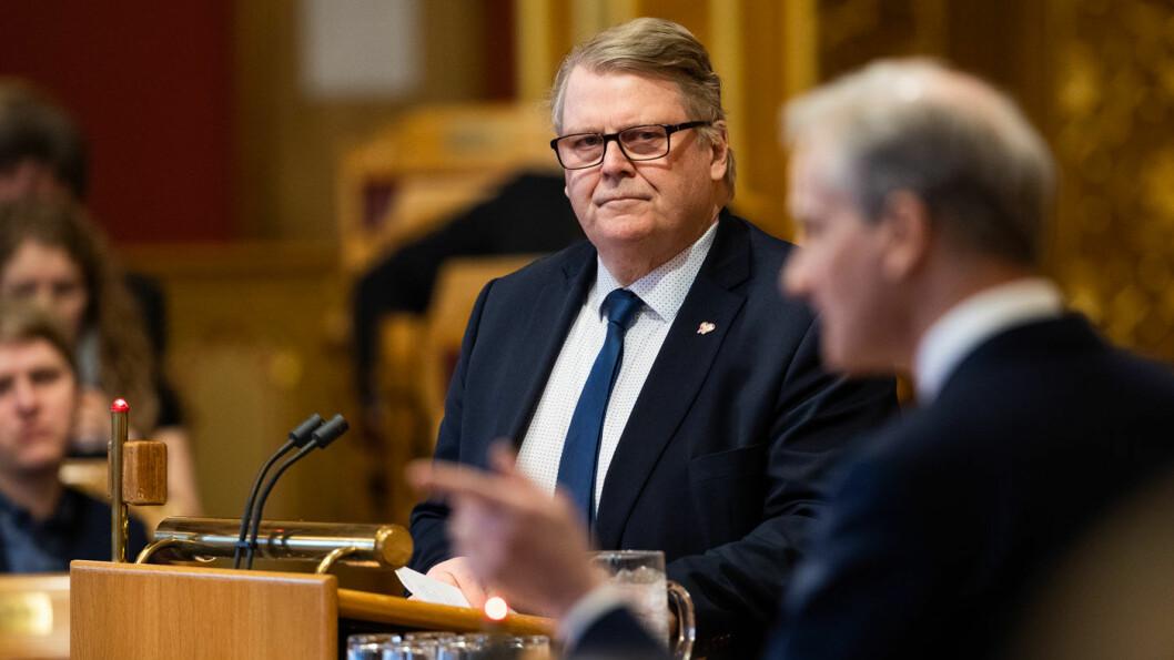 IKKE FERDIG: Heller ikke KrFs parlamentariske leder Hans Fredrik Grøvan mener det har ligget noe ferdig forhandlet utkast avtale på bordet for å løse bompengestriden i regjeringen. Foto: Stortinget