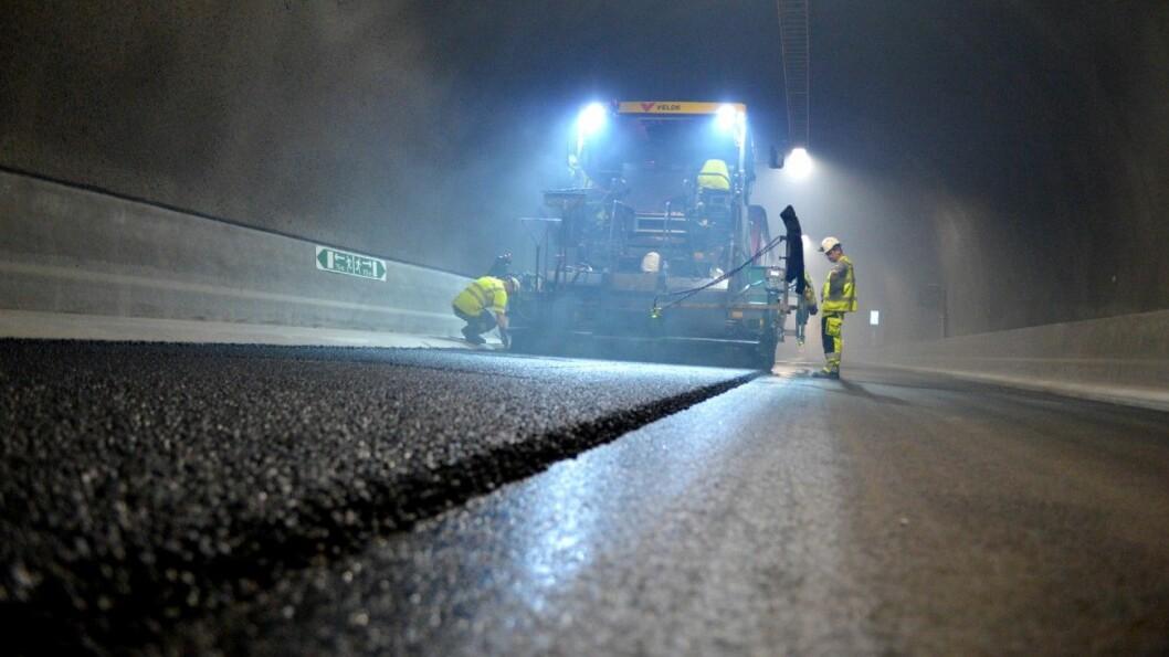SNART FERDIG: Bare et topplag gjenstår å asfaltere i Ryfylketunnelen. Foto: Statens Vegvesen
