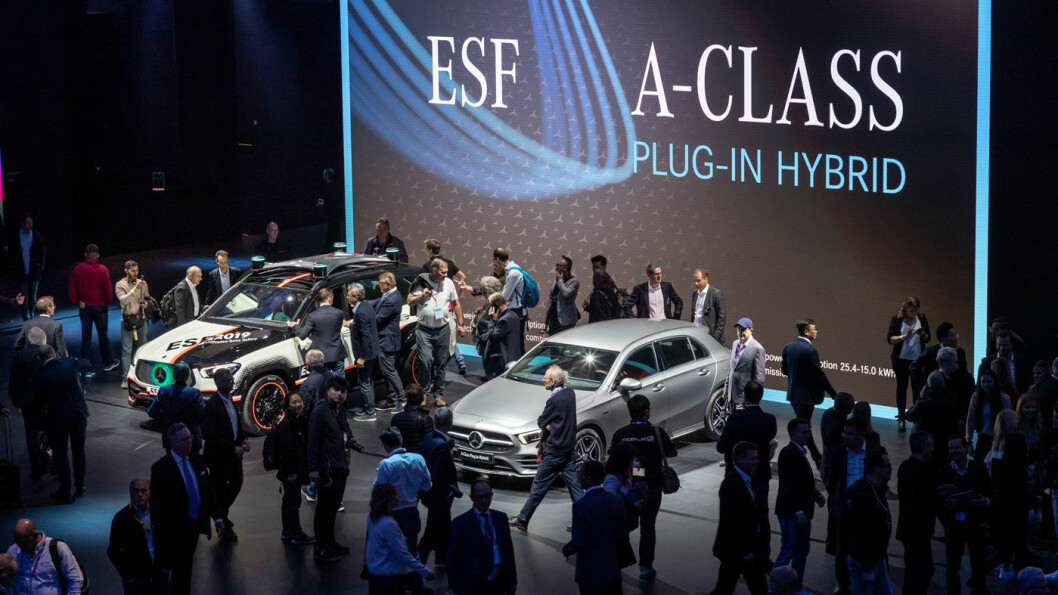 SISTE SKRIK: Ny A-klasse med nær 70 km elektrisk rekkevidde er en av de store Mercedes-nyhetene på bilutstillingen i Frankfurt. Foto: Daimler