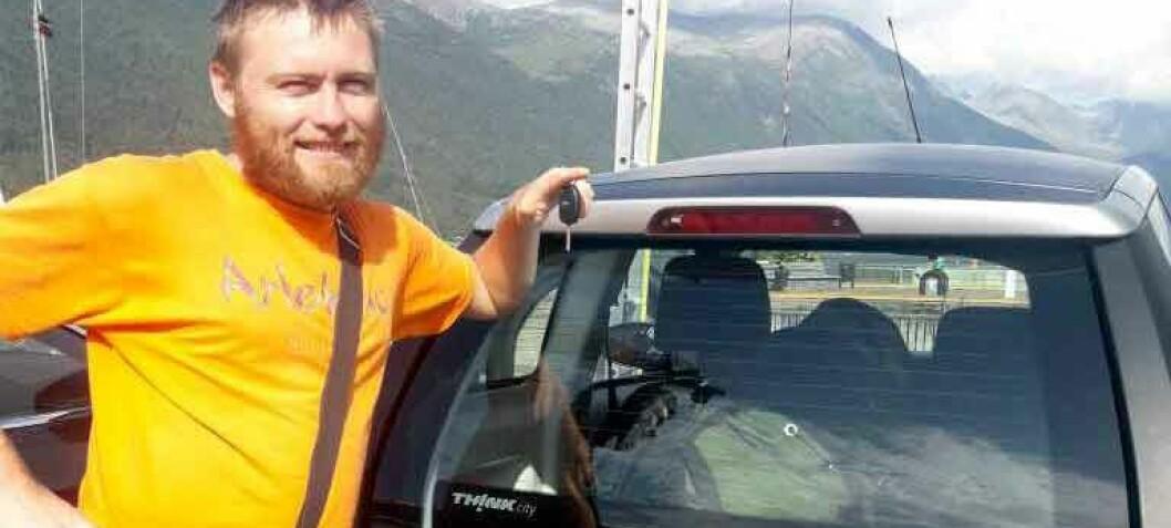 Kjøpte brukt elbil i Norge – gjett hvor han reiste!