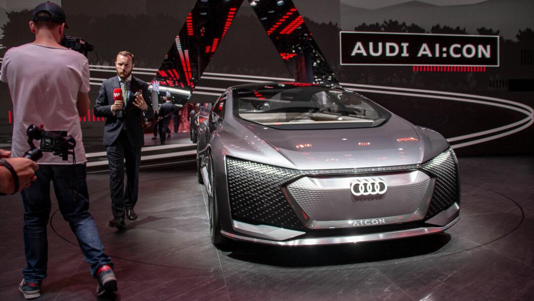NOE Å FORTELLE OM: Men ingen TV-reporter kan si om dette er en bil vi noen gang vil få kjøpe.