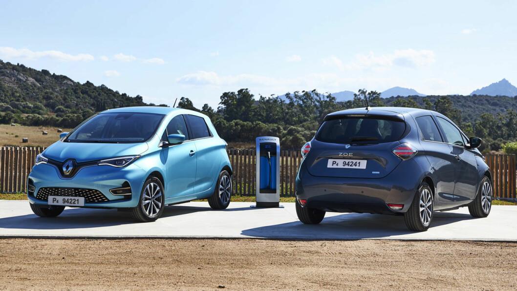 MYE NYTT: Ved første øyekast ser ikke nye Renault Zoe så ny ut, karosseriet er tross alt det samme. Men innvendig er det store endringer, rekkevidden og sikkerheten er blitt bedre – og de to fargene på bildet er også nye. Foto: Jean-Brice Lemal