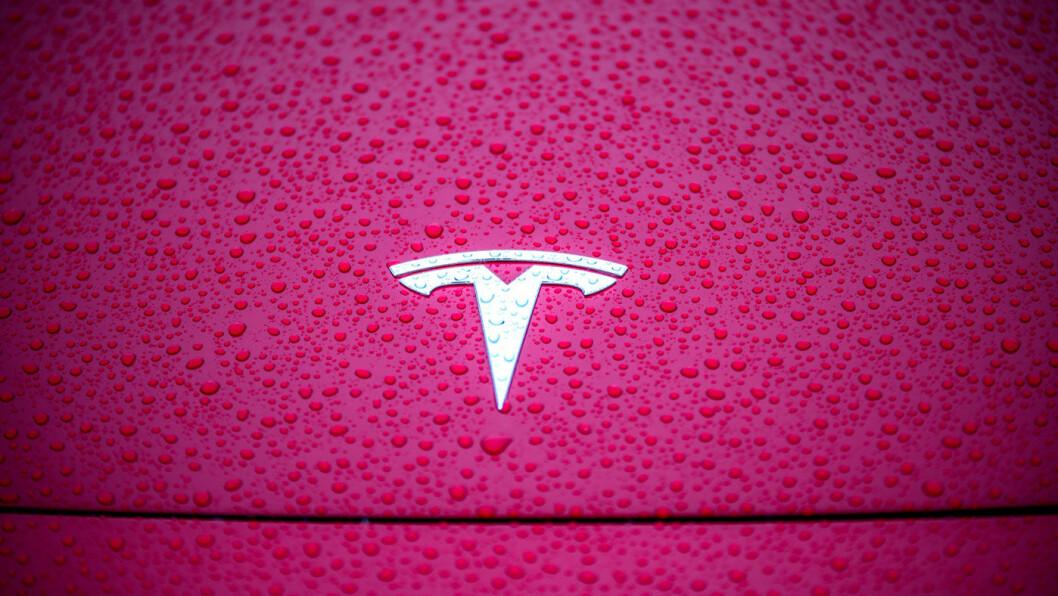 REKKER LANGT: Tesla beviser i våre rekkeviddetester at de er gode på å nå langt. Det gjelder fra nå av også virksomhetsbeskrivelsen deres i Enhetsregisteret i Brønnøysund. Foto: Tomm W. Christiansen