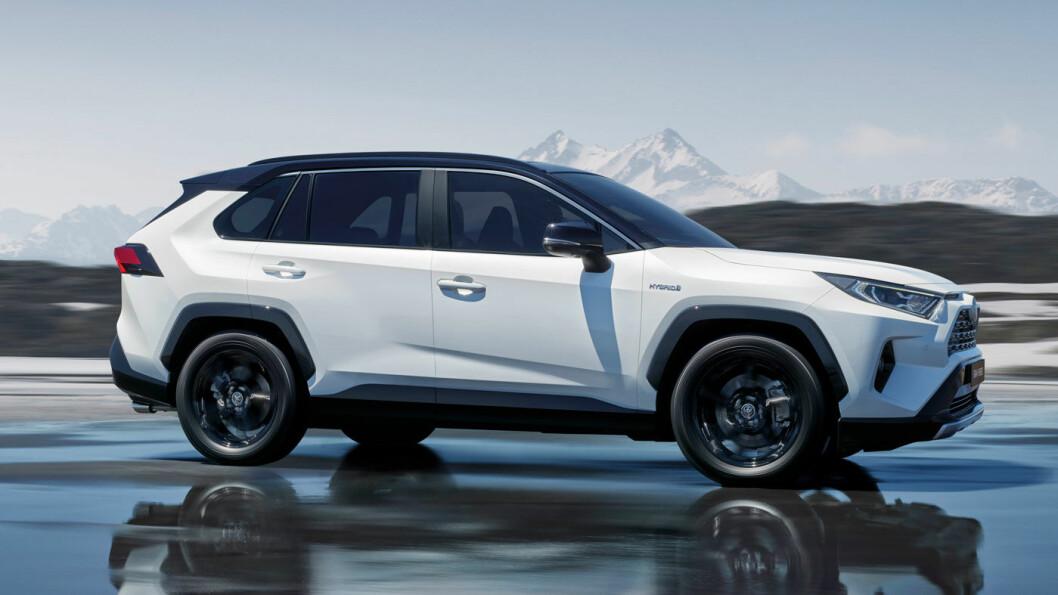 LANG VENTETID: Nye Toyota RAV4-kunder får sine biler tidligst i april eller mai, avhengig av om bilen er bestilt med tohjuls- eller firehjulsdrift. Det er faktisk lengst ventetid på den første. Foto: Toyota Motor