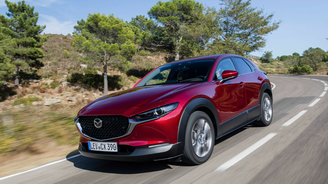 BRA PRIS: Mazdas nye SUV CX-30 presser seg mellom eksisterende CX-3 og CX-5, og har fått priser som står seg veldig godt mot dagens fossile konkurrenter.
