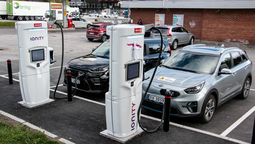<b>VELG RIKTIG:</b> Ionity er en av operatørene som leverer høy ladeeffekt, men det er dyrt sted å stå hvis ikke bilen kan utnytte mer enn 50 kW.