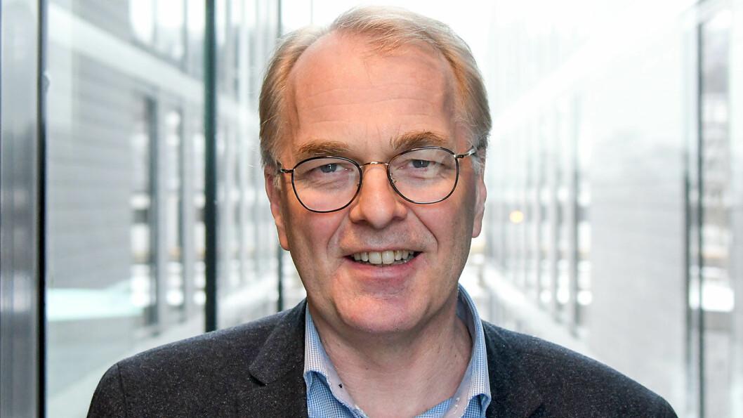 KAN KUTTE: Fungerende vegdirektør Bjørne Grimsrud mener han kan spare 100 milliarder på veiprosjektene som ligger inne i dagens NTP. Foto: Knut Opeide