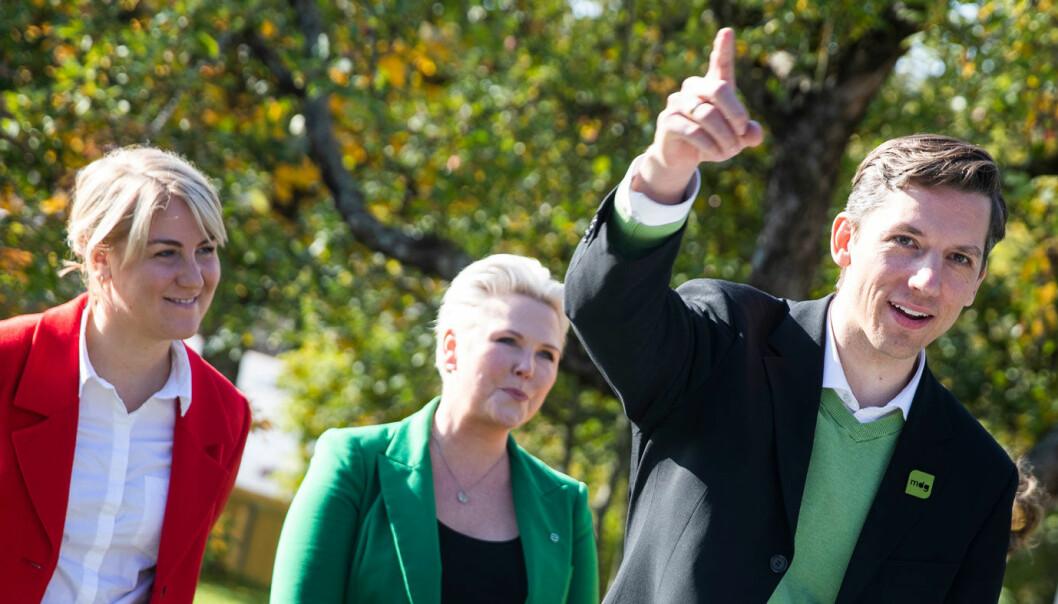 <b>STOPPER NY E18? </b>MDGs Kristoffer Robin Haug, med Vikens fylkerådsleder Tonje Brenna (Ap) t.v. og Anne Beathe Tvinnereim (Sp)