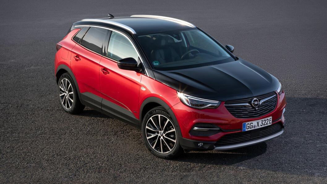 SPENNENDE: Med sin ladbare Grandland kan Opel igjen begynne å håpe på et brukbart salg også i Norge. Bilen har egenskapene mange nordmenn etterlyser. Foto: Opel