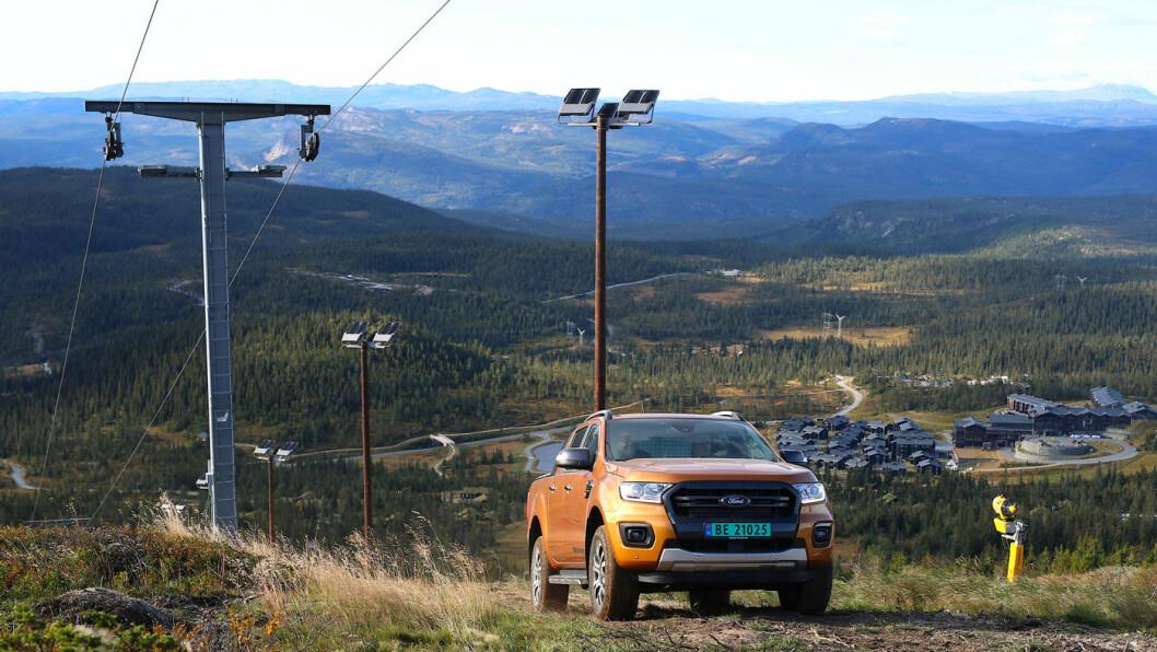 MER SIVILISERT: Ford Ranger er et vanlig syn på veiene i Europa. Bestselgeren kommer nå i en oppgradert utgave.