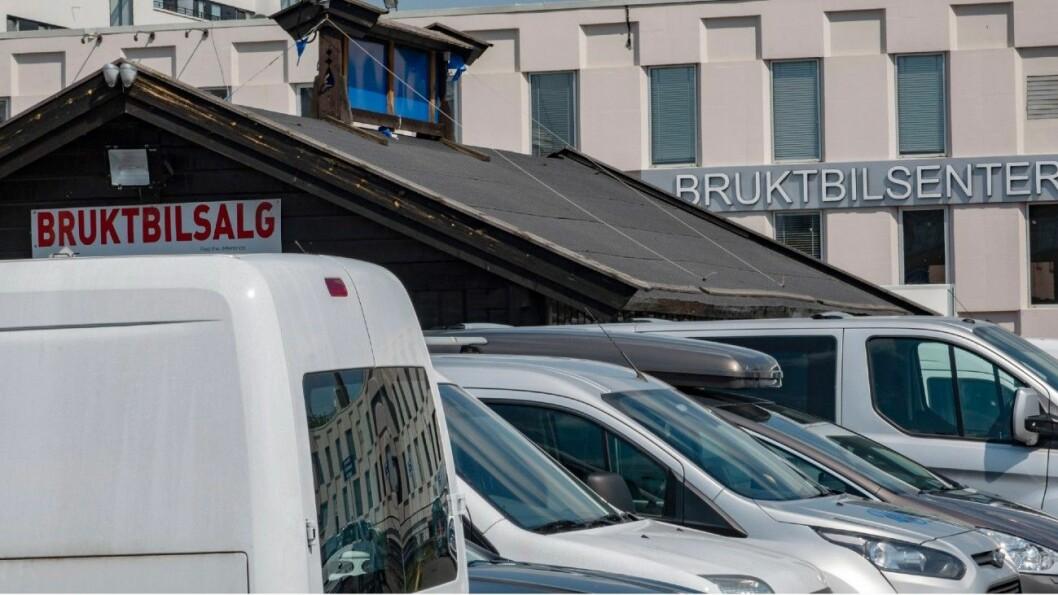 5000: En av 100 bruktbiler for salg har vært kondemnert. Årlig omsettes det 5000 biler som har vært bilvrak. Illustrasjonsfoto: Geir Olsen.