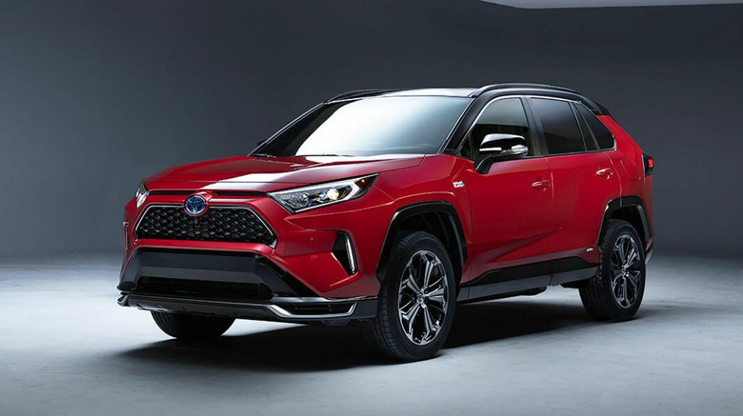 RAV4 RAMMES HARDT: Toyotas bestselger øker betydelig i pris med de nye avgiftene på ladbare hybrider.