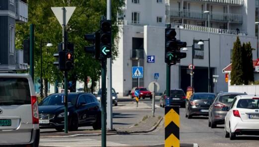 Foreslår en maksfart på 30 km/t i byene