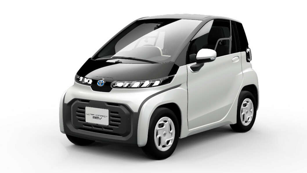 FOR DE GAMLE: Toyotas helelektriske nyhet på Tokyo-utstillingen har 10 mils rekkevidde og plass til to.