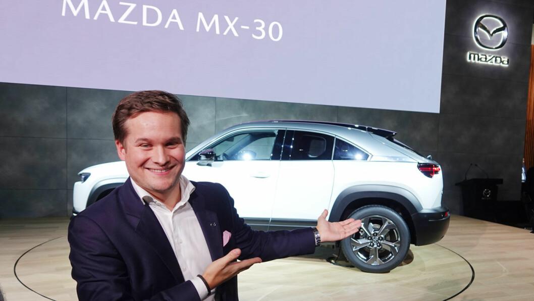 ENDELIG ET MAZDA-GLIS: Med elbildebutanten MX-30 har Mazda og kommunikasjonsjef Petter Chr. Grüner Brinch omsider en modell som kan appellere til norske kjøpere. Foto: Peter Raaum