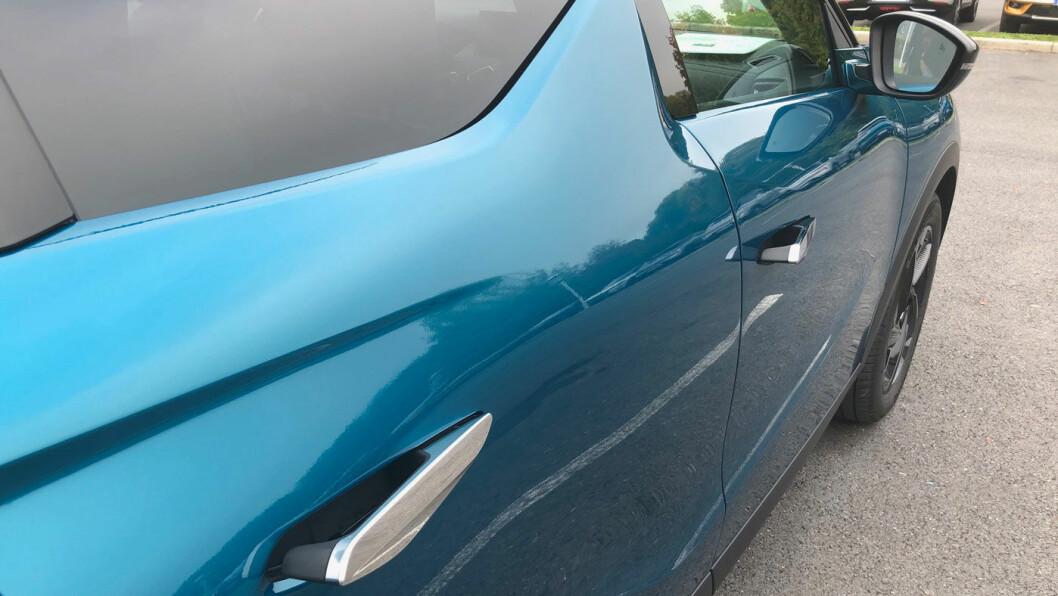 VELKOMMEN: Som på Tesla, presenterer dørhåndtakene seg når du låser opp bilen.