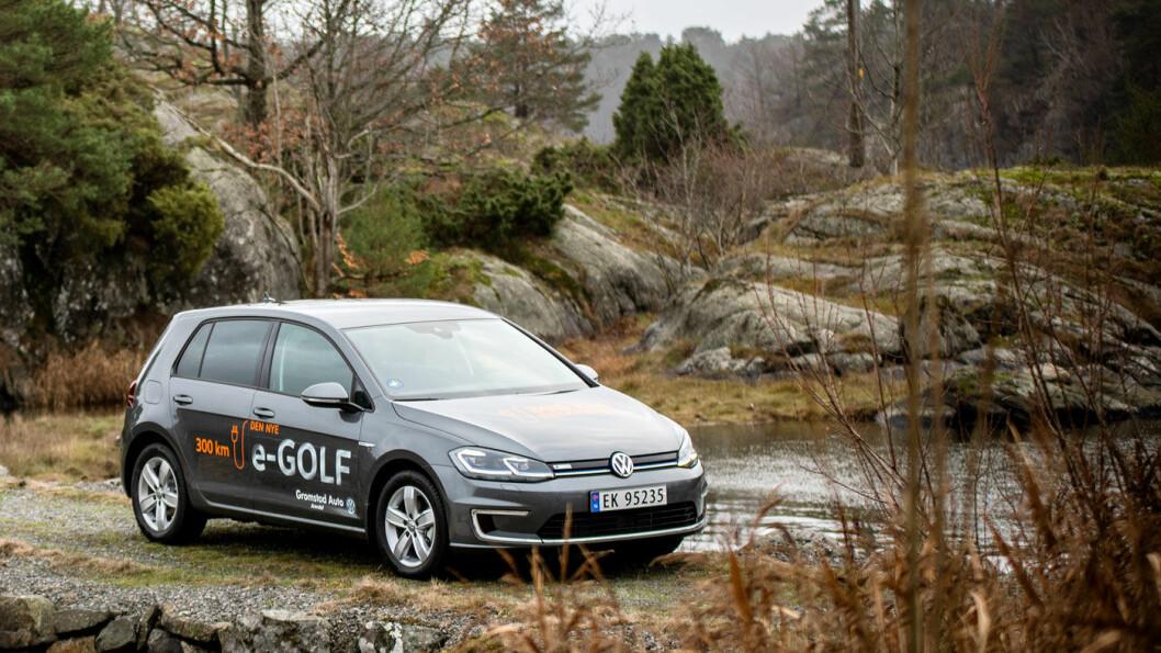 TAR UT KONTAKTEN: VW e-Golf ble så sent som for et år siden kåret til de beste nybilkjøpet av Motor, og er for tiden Norges nest mest solgte bil. Men nå stanser produksjonen.